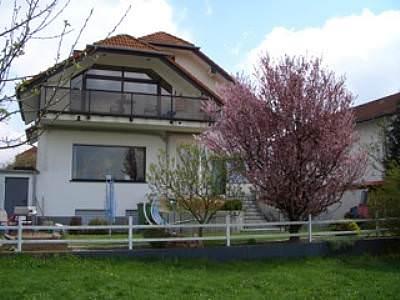 Hausansicht - Ferienwohnung Budecker - Wehrheim