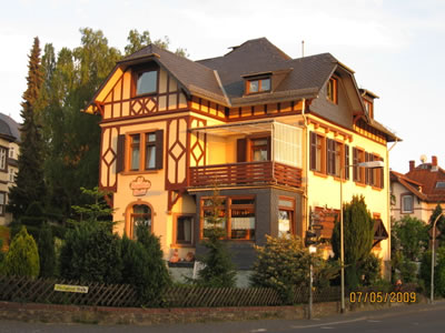 - Hotel Cafe H�rdtlein