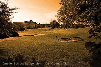 Blick auf das Schloss_Schloss Langenstein