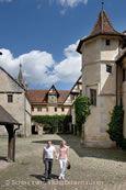 Schloss mit Pärchen. © Schlossverwaltung Bebenhausen