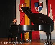 Meisterschüler am Klavier