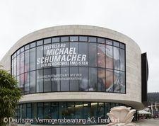 """Michael Schumacher - der Rekordweltmeister. 20 Jahre Partnerschaft mit der Deutschen Vermögensberatung"""""""