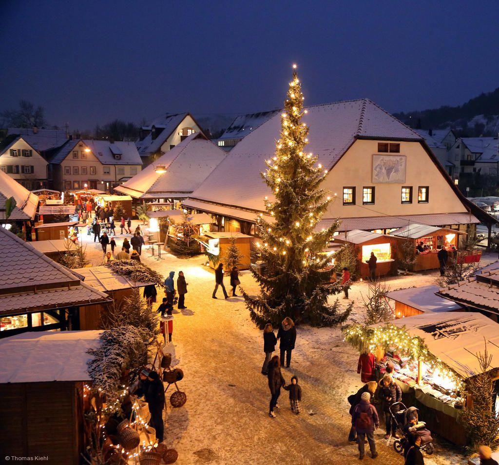 Weihnachtsdorf. © Array